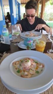 Camarão ao molho de leite de côco e gengibre com arroz